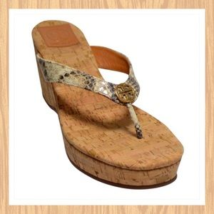 TORY BURCH SUZY SNAKE THONG WEDGE SANDALS SIZE 6M